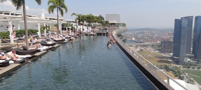 シンガポールは食、買い物、観光がまるで日本