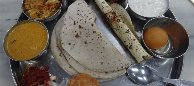 インド周遊記<その77>【写真特集】インドの食事