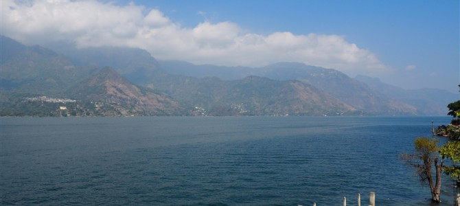 アンティグアからさらに田舎のアティトラン湖へ、ここが最高でした